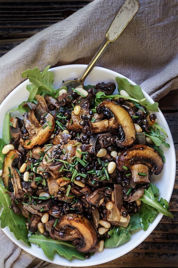 salada cogumelos